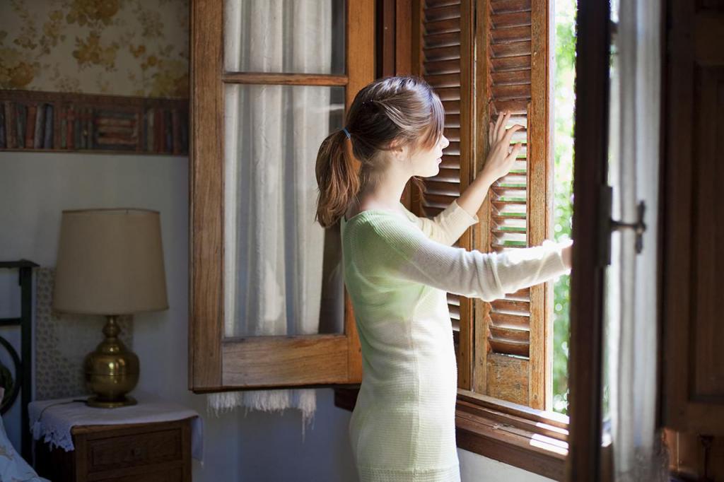 открываем окна и двери