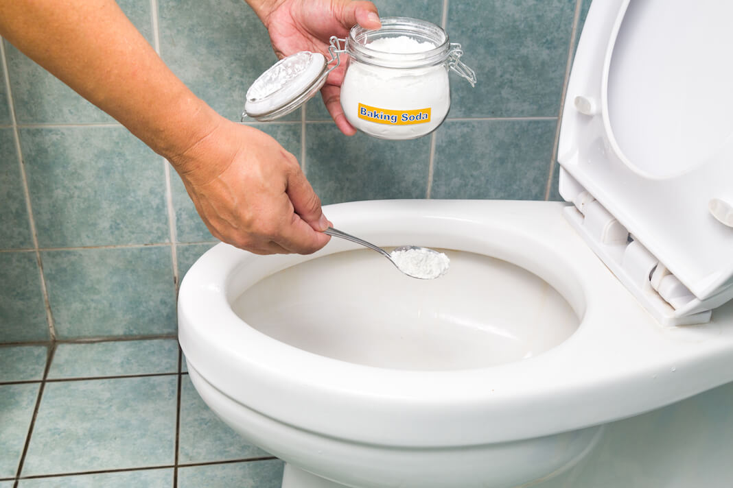 чистка унитаза содой